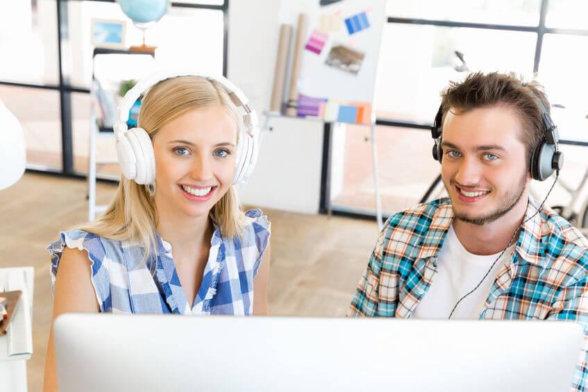 Sichere Dir jetzt das kostenlose Hörbuch über das Prüfungsfach Kundenbeziehungsprozesse + einen Muster-Report, der Deine IHK-Prüfer begeistert!